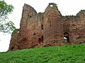 Bothwell Castle - geograph.org.uk - 1275911.jpg