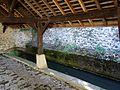 Boury-en-Vexin (60), lavoir double sur le ruisseau d'Hérouval 2.jpg