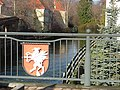 Brücke mit Wappen über der Rot - panoramio.jpg