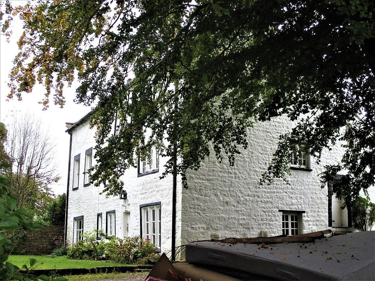 Brookhouse Old Hall.jpg