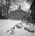Bundesarchiv B 145 Bild-F052623-0006, Eifel, Schloss Gymnich im Winter.jpg