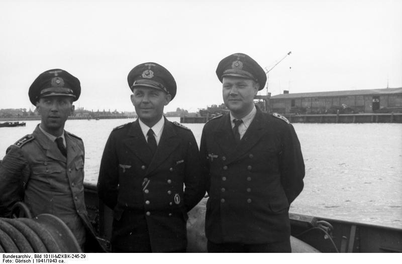 Bundesarchiv Bild 101II-M2KBK-245-29, Frankreich, M-Boot im Hafen
