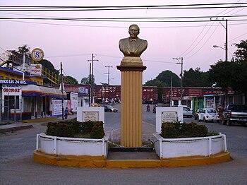 Busto Benito Juarez