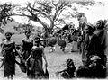 COLLECTIE TROPENMUSEUM Dans van de vrouwen op een feest voor het bivak Batoe Kapoeda in Lamboja Soemba TMnr 10003088.jpg