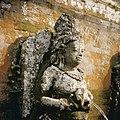 COLLECTIE TROPENMUSEUM Waterspuwer op de badplaats bij de Pura Goa Gajah of Olifantsgrot TMnr 20027327.jpg