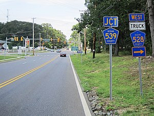 County Route 528 (New Jersey) - CR 528 westbound approaching its intersection with CR 539 and CR 528 Truck in Plumsted Township