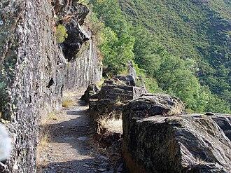 Las Médulas - Rock-cut aqueduct in La Cabrera