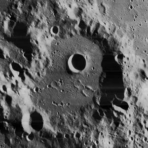 Casatus (crater) - Image: Casatus crater 4154 h 2
