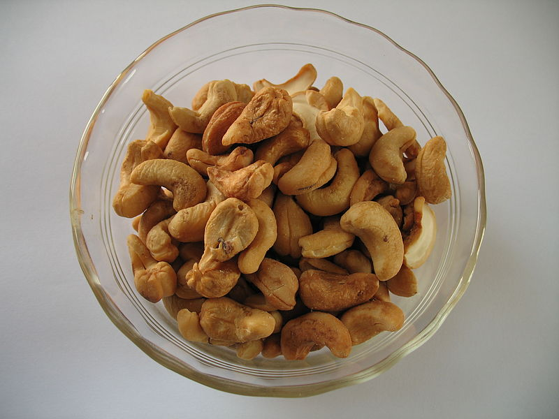 File:Cashews 1314.jpg