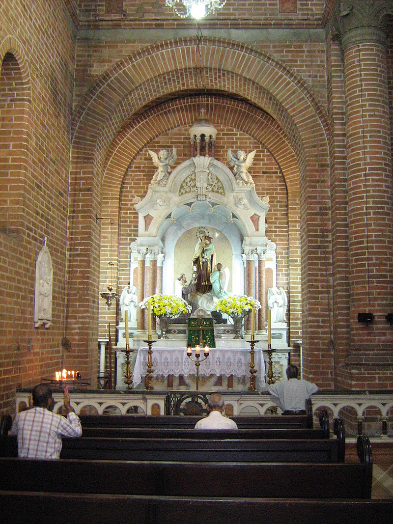 Catedral de Girardota-Virgen del Carmen.JPG
