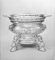 Centerpiece with cover and eight accessory dishes MET 166882.jpg