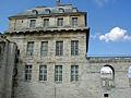 Château de Vincennes - Pavillon du roi côté bois.jpg