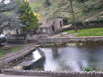 Cheddar Yeo - The arches which can be seen in the centre are the start of the pipe transporting water to the reservoir