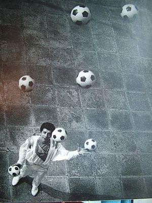 Cascade (juggling) - Valentin Chernov (1987), 7 prop cascade