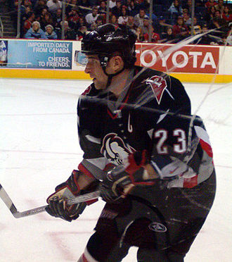 Presidents' Trophy - Chris Drury played for the 2000–01 Colorado Avalanche and the 2006–07 Buffalo Sabres.