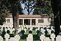 Cimitero militare Terdesco Pomezia 2011 by-RaBoe-107.jpg