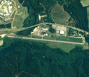 Clayton Municipal Airport (Alabama) - NAIP aerial image, 30 June 2006
