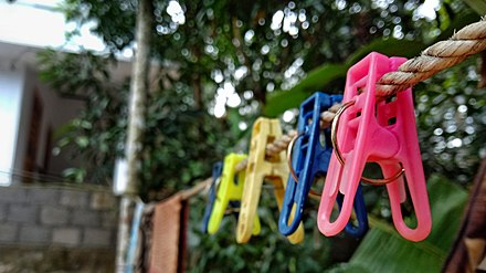 dc2578b0e31721 Clothespins on a clothes line
