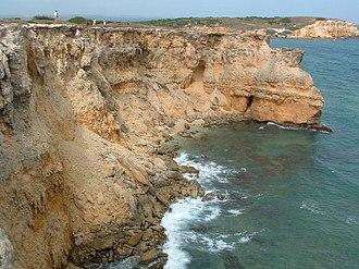 Faro Los Morrillos de Cabo Rojo - Image: Coastal cliffs near the Los Morrillos Lighthouse