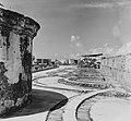Collectie Nationaal Museum van Wereldculturen TM-20016588 San Juan. Morro Castle Puerto Rico Boy Lawson (Fotograaf).jpg