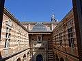 Cour Henri IV depuis le balcon de la Salle des Illustres.JPG