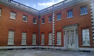 Bed House Osterley