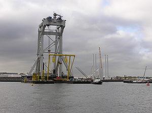 Crane Ship Svanen in Port of IJmuiden - June 2006.jpg
