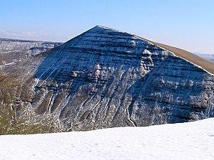 Cribyn (mountain) - Cribyn seen from Cefn Cwm Llwych