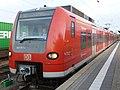 DB 424 511 S-Bahn Hannover Nienburg 120907.jpg