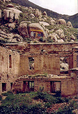 Damage at Drepung, 1993.JPG