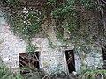 Derelict pump house - panoramio.jpg