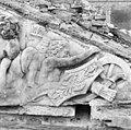 Detail van timpaan boven de voorgevel - 's-Gravenhage - 20086325 - RCE.jpg