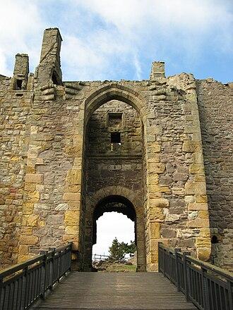 Dirleton Castle - Image: Dirleton gate