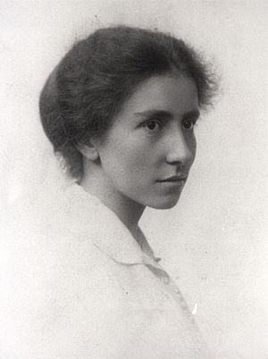 Dorothy Garrod - Dorothy Garrod, c. 1913, while at Newnham College, Cambridge