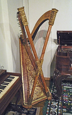 Cross-strung harp - Chromatic cross-strung harp with two necks and X-shaped double pillar built by Henry Greenway