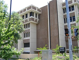 Alachua County, Florida - Image: Dsg Alachua County Courthouse Family and Civil Justice Center 20050507