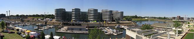 Duisburg Innenhafen Ludwigturm.jpg