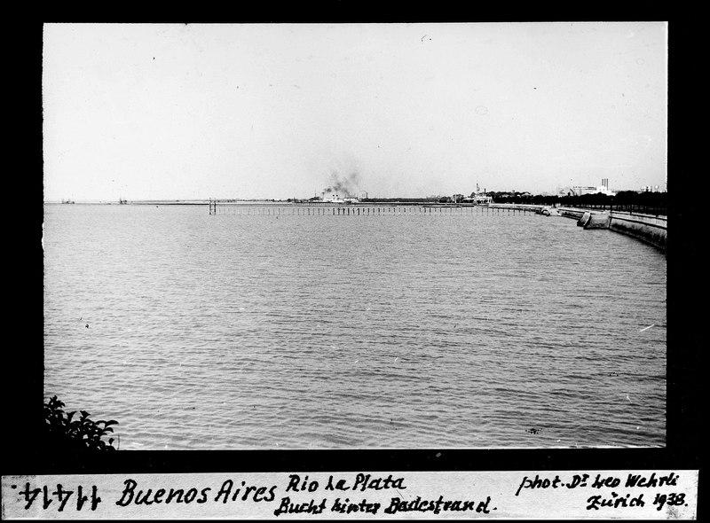 File:ETH-BIB-Buenos Aires, Rio La Plata, Bucht hinter Badestrand-Dia 247-11414.tif