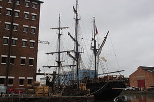 Earl of Pembroke (tall ship) - Image: Earl of Pembroke (tall ship) in Gloucester Docks (renamed as The Wonder) for filing of Alice in Wonderland Through the Looking Glass 11