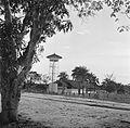 Een fabriek aan de Lawaspoorweg in Suriname.jpg