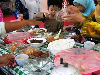 English: Eid Ul-Fitr meal