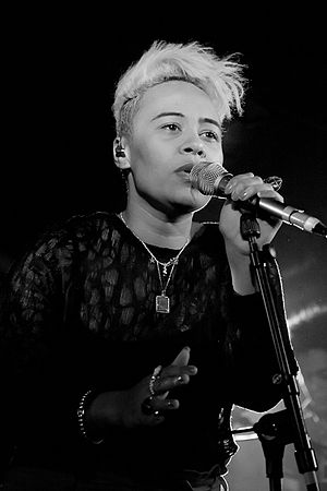 "Demonstration (Tinie Tempah album) - Emeli Sandé features on ""A Heart Can Save the World"", and also wrote Laura Mvula's chorus for ""Heroes""."