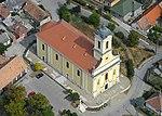 Ercsi római katolikus temploma madártávlatból.jpg