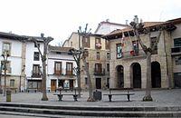 Escoriaza - Plaza Fernando Eskoriatza y Ayuntamiento 02.JPG