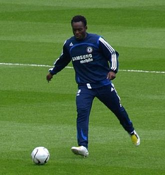 Michael Essien - Essien warming up before a game in 2008