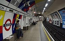Euston station MMB B0.jpg