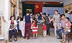 Eye screening for kindergarten children in Quoc Oai district of Hanoi (14309012852).jpg