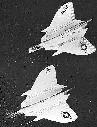 VF-13 (1948-1969) - VF-13 F-4D-1s in flight in 1961