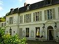 Façade du château du prieuré à Marolles-en-Brie (1).JPG
