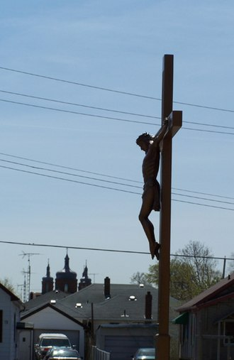 Facer, St. Catharines - A large crucifix on Oblale Street in St. Catharines Ontario, with the Polish Church.